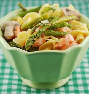 A Simple Shrimp and Asparagus Recipe from dineanddish.net
