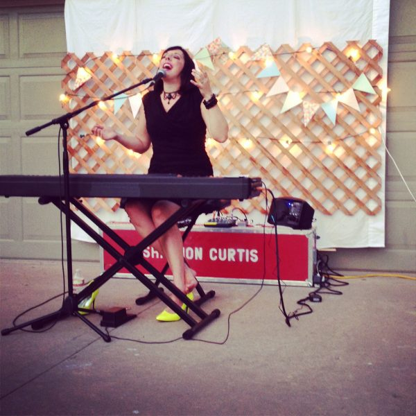 Shannon Curtis Singing Outdoor Summer Concert
