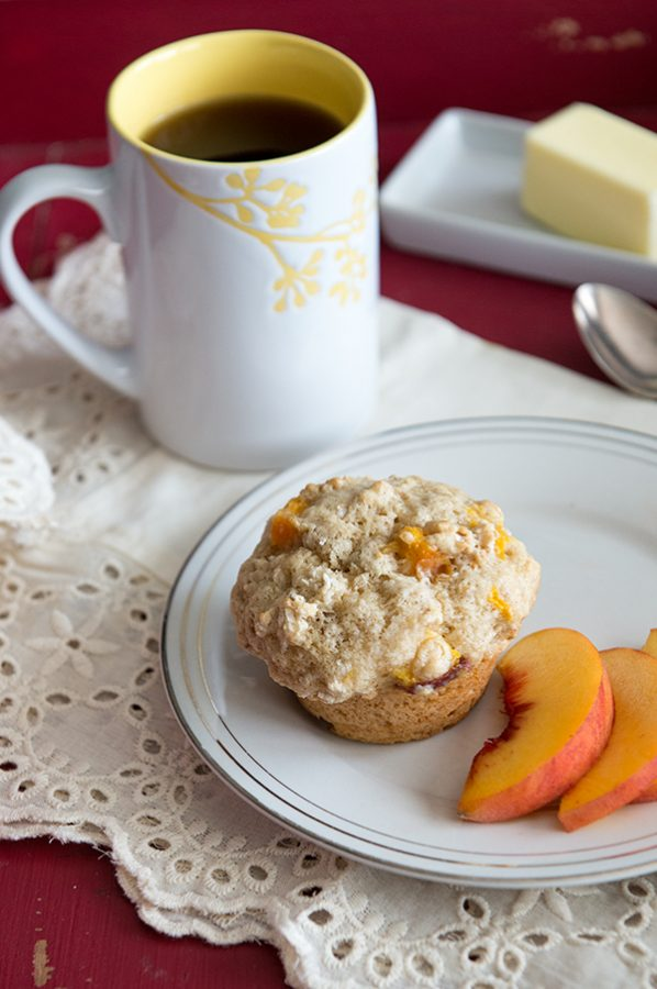 Bed and Breakfast Style Peach Crunch Muffins from dineanddish.net