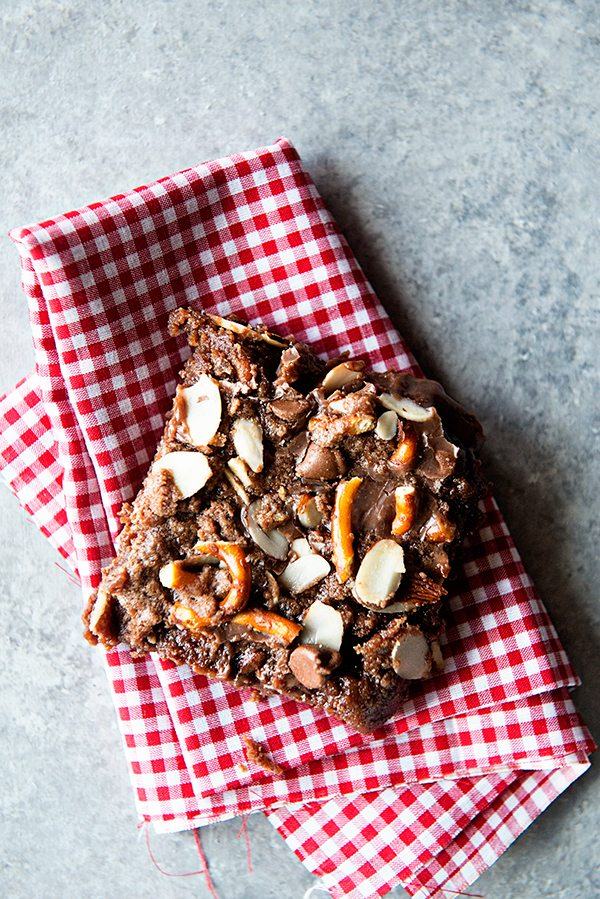 Chocolate Almond Picnic Bars from dineanddish.net